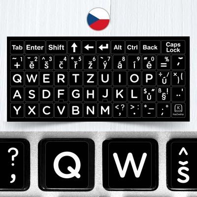 Česká velká písmena – nálepky na celou klávesnici, černé pozadí